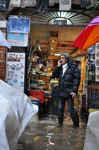 Libreria Acqua Alta - Venice Wiki, la guida collaborativa ...