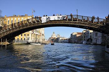 Ponte dell 39 accademia venice wiki la guida collaborativa for Disegni di ponte anteriore